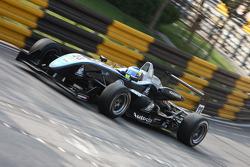 Carlos Heurtas, Hitech Racing