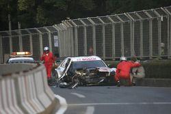 Maro Engel, Mücke Motorsport, AMG Mercedes C-Klasse afer his crash