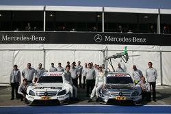 Les équipes de Paul di Resta (Team HWA AMG Mercedes C-Klasse) et Ralf Schumacher (Team HWA AMG Merce