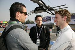 Manuel Reuter et Philip Sohmer (ARD-TV) discutent avec Maro Engel (Mücke Motorsport, AMG Mercedes C-Klasse)