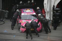 Susie Stoddart (Persson Motorsport, AMG Mercedes C-Klasse) après avoir touché le mur