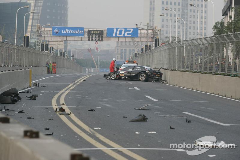 Timo Scheider, Audi Sport Team Abt Audi A4 DTM after crashing