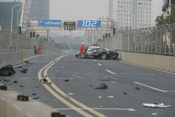 Timo Scheider (Audi Sport Team Abt Audi A4 DTM) après son accident