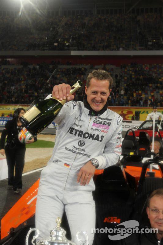 Ganador de la Copa de las Naciones Michael Schumacher para el equipo Alemania