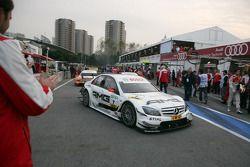 DTM 2010 champion Paul di Resta, Team HWA AMG Mercedes C-Klasse enters Parc Fermé