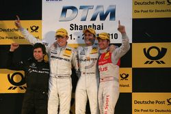 Podium: race winner Gary Paffett, Team HWA AMG Mercedes, second place Paul di Resta, Team HWA AMG Me