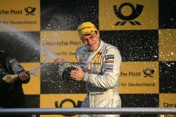Podium: race winner Gary Paffett, Team HWA AMG Mercedes