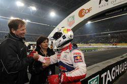 Sébastien Loeb, deuxième, avec Frederik Johnson et Michèle Mouton, organisateurs ROC