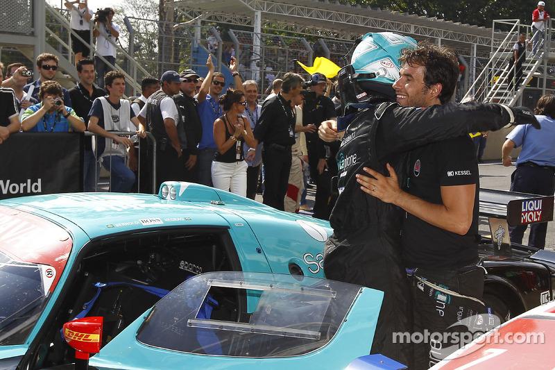 Race winnaars Alexandre Negrao en Enrique Bernoldi