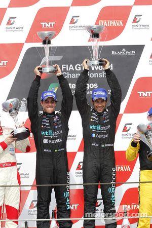 Podium: race winners Alexandre Negrao and Enrique Bernoldi