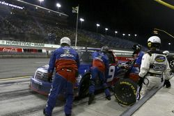 Pit stop for Max Papis
