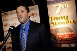 Tony Stewart met de media