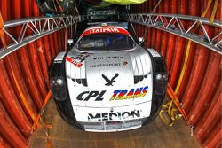 #34 Triple H Team Hegersport Maserati MC12 in een container