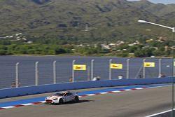 #8 Young Driver AMR Aston Martin DB9: Stefan Mücke, Jose Maria Lopez