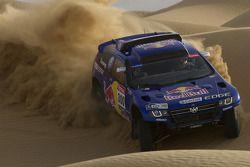 Volkswagen Motorsport: Carlos Sainz y Lucas Cruz Senra prueban el Wolkswagen Race Touareg 3 en Marru