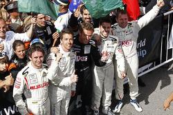 Les vainqueurs Frédéric Makowiecki et Yann Clairay avec les troisièmes Clivio Piccione et Jonathan Hirschi