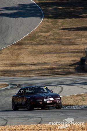 #34 Team Merlot 1995 Mazda Miata Merlot: Michael Lesmerises, matt ford, Chris Ferraro