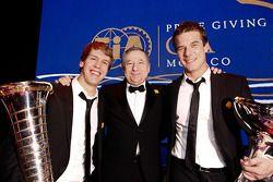 Le président de la FIA Jean Todt avec le champion du monde FIA Formula One Sebastian Vettel et le champion FIA World Rally Sébastien Loeb