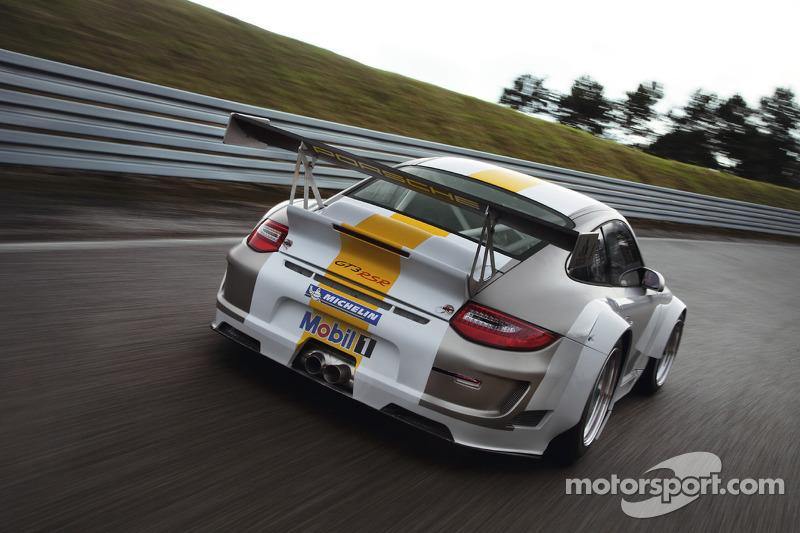 La 2011 Porsche 911 GT3 RSR