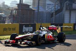 Льюис Хэмилтон, McLaren Mercedes и его заднее антикрыло создающее завихрение