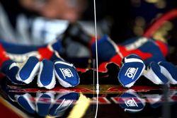 Handschoenen Jaime Alguersuari, Scuderia Toro Rosso