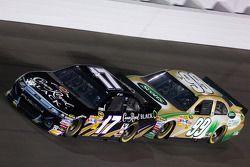 Matt Kenseth, Roush Fenway Racing Ford and Carl Edwards, Roush Fenway Racing Ford