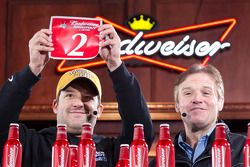 Tony Stewart, Stewart-Haas Racing Chevrolet and Kenny Wallace