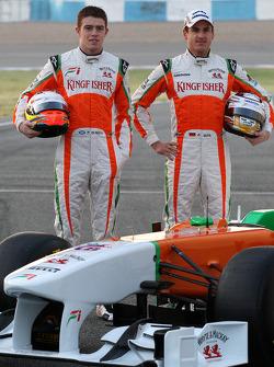 Пол ди Реста, тестовый пилот Force India F1 и Адриан Сутиль, Force India F1