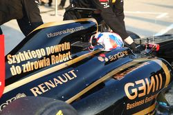 Vitaly Petrov, Lotus Renault GP met boodschap voor Robert Kubica, Lotus Renault GP