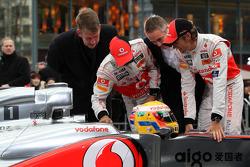 Fritz Joussen, CEO Vodafone Germany, Lewis Hamilton, McLaren Mercedes, Martin Whitmarsh, McLaren, Chief Executive Officer, Jenson Button, McLaren Mercedes