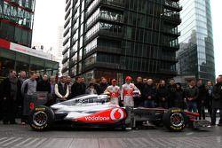 Lewis Hamilton, McLaren Mercedes, Jenson Button, McLaren Mercedeset les vainqueurs de la compétition