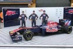 Sebastien Buemi, Scuderia Toro Rosso, Daniel Ricciardo, Scuderia Toro Rosso et Jaime Alguersuari, Sc