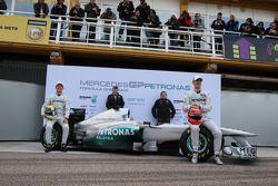 Nico Rosberg, Mercedes GP F1 Team met teambaas Ross Brawn, Norbert Haug, Mercedes Motorsport baas en