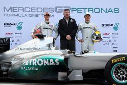 Michael Schumacher, Mercedes GP F1 Team; Ross Brawn Mercedes-Teamchef; Nico Rosberg, Mercedes GP F1 Team