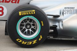 Mercedes MGP W02: Reifen