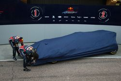 Sebastian Vettel, Red Bull Racing et Mark Webber, Red Bull Racing dévoilent la nouvelle RB7