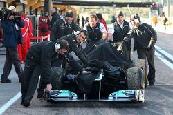 Nico Rosberg, Mercedes GP après son arrêt en piste