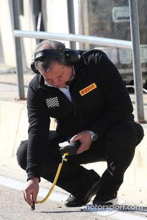 Un ingénieur Pirelli