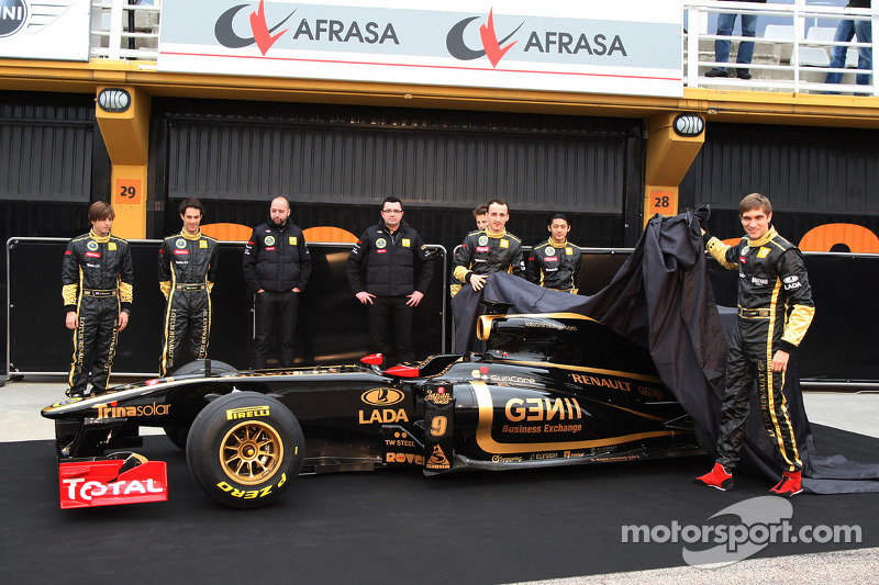 Jan Charouz, Bruno Senna und Gerard Lopez Genii Capital, Lotus Renault GP; Eric Boullier, Lotus-Rena