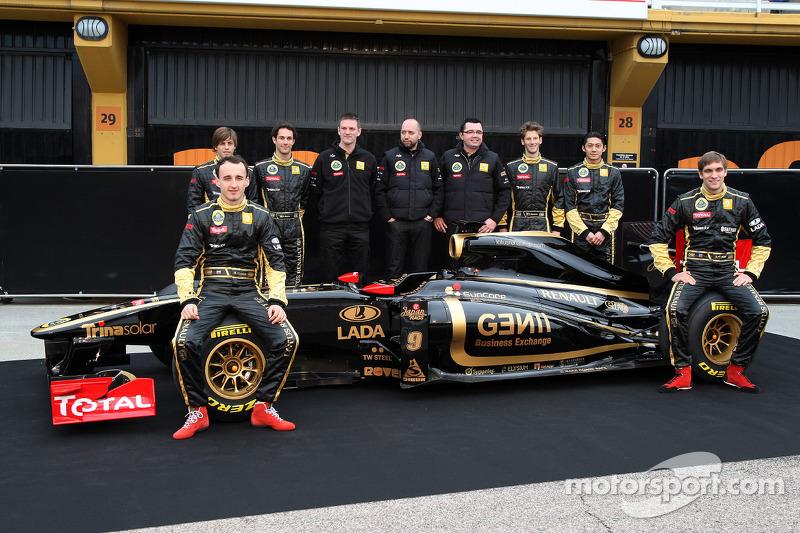 Robert Kubica, Lotus Renault GP; Jan Charouz, Bruno Senna und Gerard Lopez Genii Capital, Lotus Rena