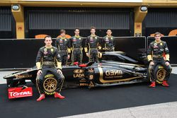 Robert Kubica, Lotus Renault GP; Jan Charouz, Bruno Senna, Romain Grosjean, Ho-Pin Tung, Vitaly Petr