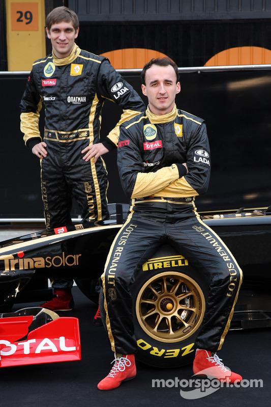 Vitaly Petrov, Lotus Renault GP, Robert Kubica, Lotus Renault GP