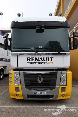 Le camion de Lotus Renault GP