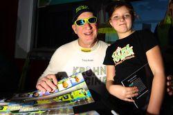 Tracy Krohn met jonge fan
