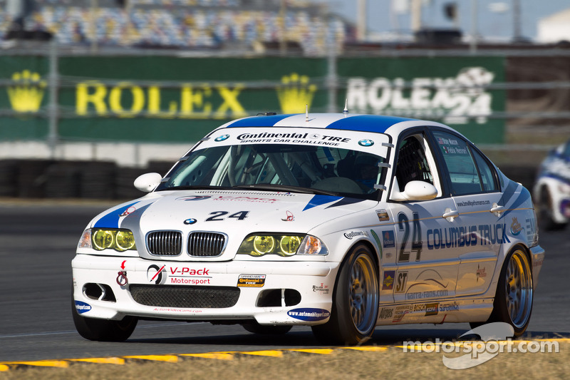 #24 V-Pack Motorsport BMW 330: Ray Mason, Adam Pecorari
