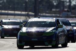 #10 Kinetic Motorsports KIA Forte Koup: Nic Jonsson, Andy Lally