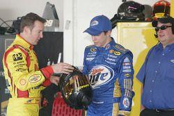 Kurt Busch, Penske Racing Dodge et Brad Keselowski, Penske Racing Dodge