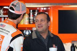 Joey Logano, Joe Gibbs Racing Toyota et Greg Zipadelli