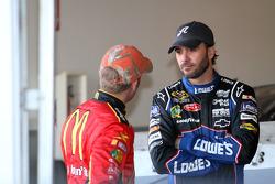 Jamie McMurray, Earnhardt Ganassi Racing Chevrolet, y Jimmie Johnson, Hendrick Motorsports Chevrolet