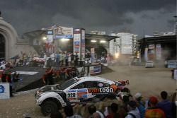 Podium: wagens 11de Erik Van Loon, Harmen Scholtalbers